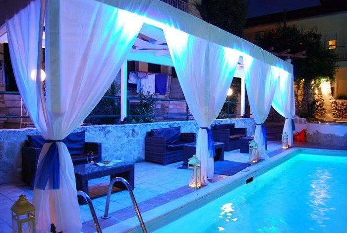 Philoxenia pool bar