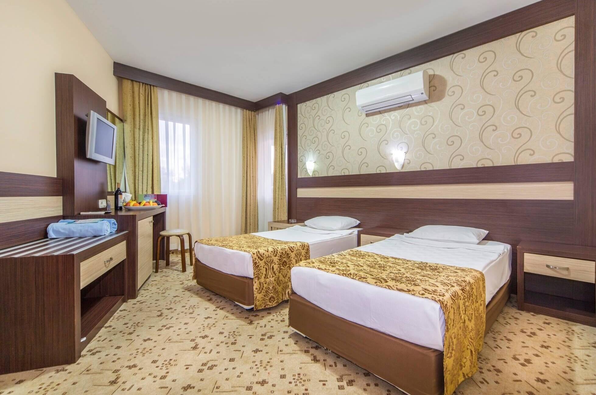 Lonicera World room1