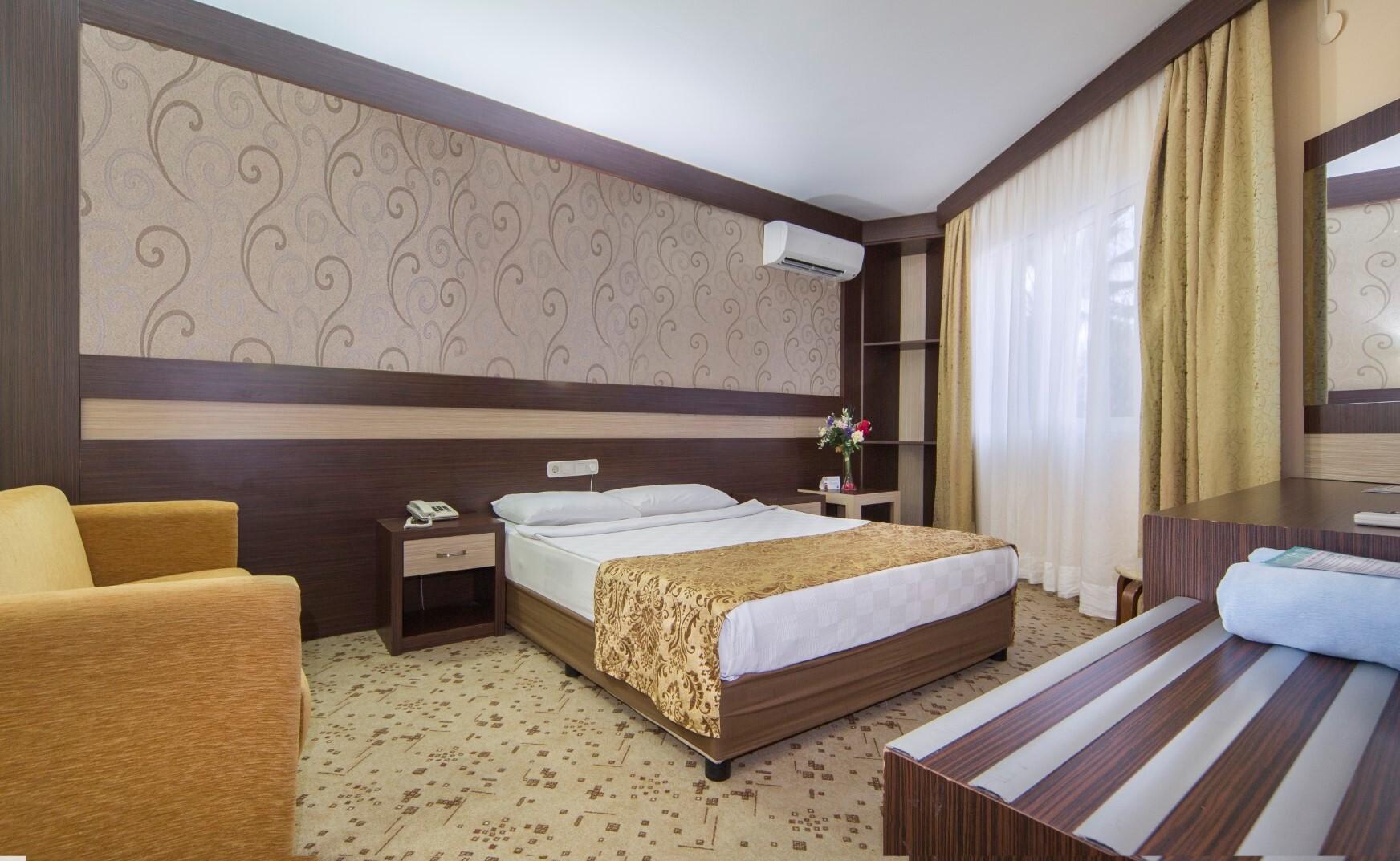 Lonicera World room2